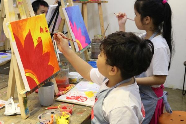 Tìm gia sư dạy vẽ tại nhà giúp con học giỏi từ ngày hôm nay