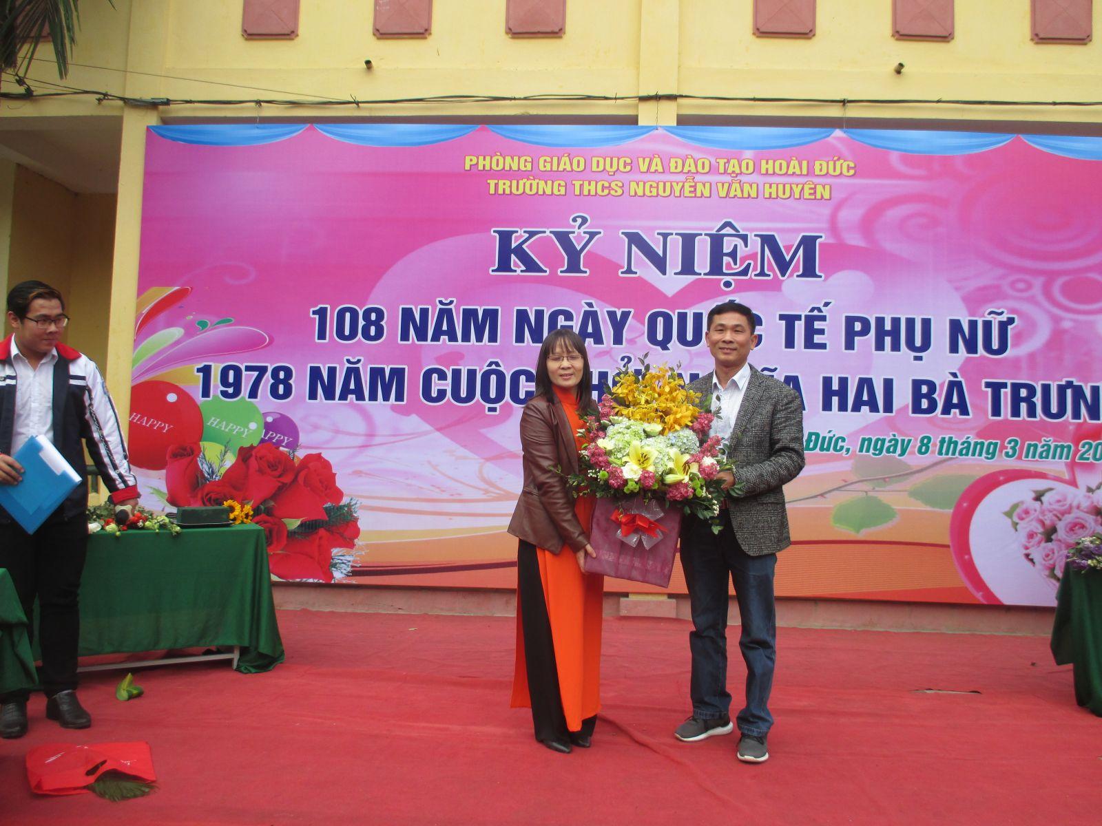 Giới Thiệu Trường THCS Nguyễn Văn Huyên