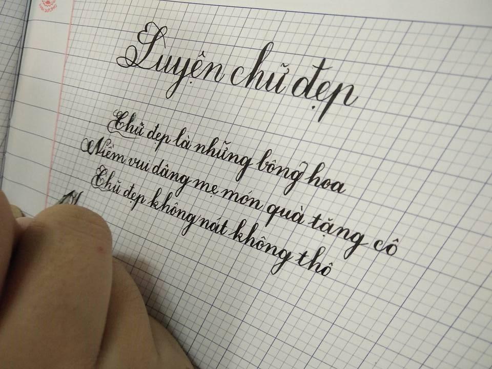 Gia sư luyện chữ đẹp nhu cầu cần thiết hiện nay dành cho các bé