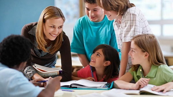 Có nên thuê gia sư dạy kèm môn Tiếng Anh ở Hồ Chí Minh cho con không?