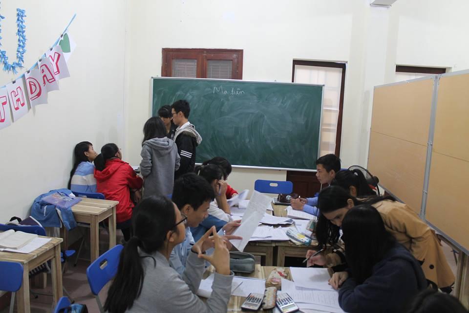 thuê gia sư sinh viên hay giáo viên